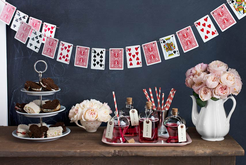 Personalised party - Alice in Wonderland theme