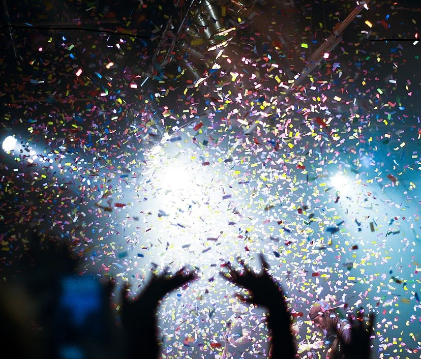 alternative-confetti-ideas-shower-of-confetti-at-an-event.jpg