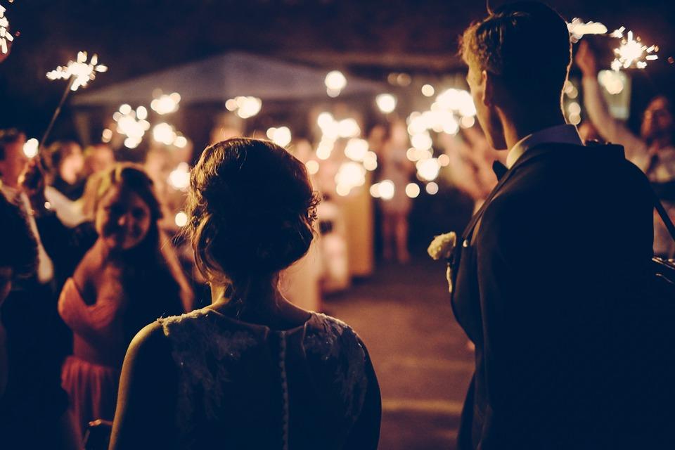 alternative-confetti-ideas-sparklers-at-wedding.jpg