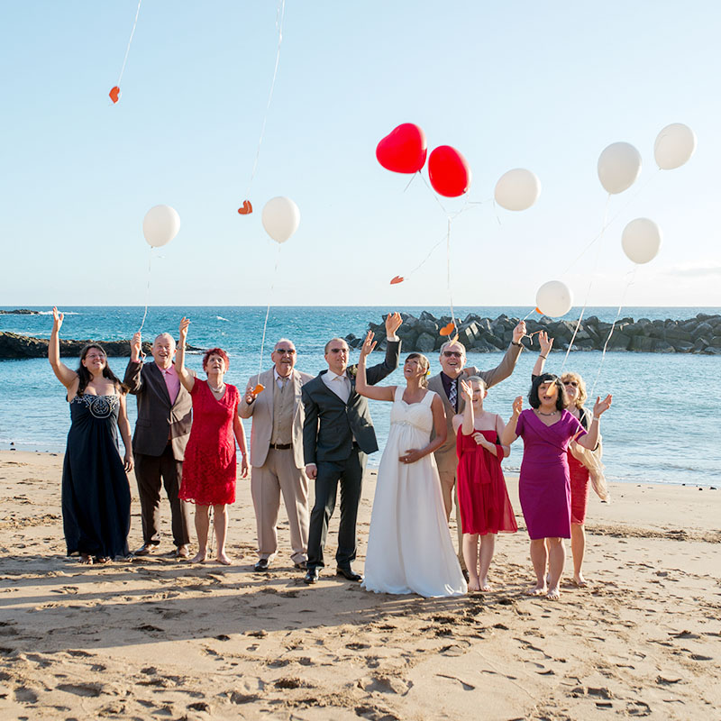 wedding guests enjoying balloons: personalised party