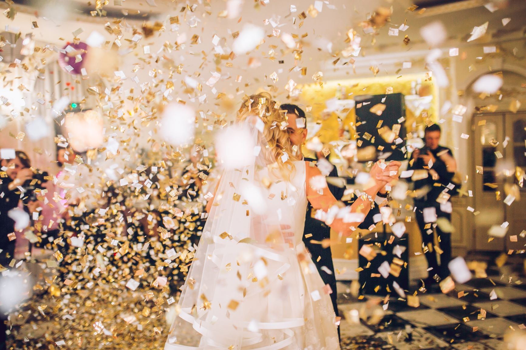 Confetti falling: Making the most of your wedding photos